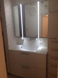 LED照明が特徴の洗面台 ウツクシ―ズ
