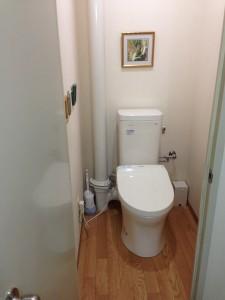 立て管に対応するトイレ ピュアレストMR