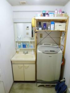 ウッド調の洗面スペースへ交換