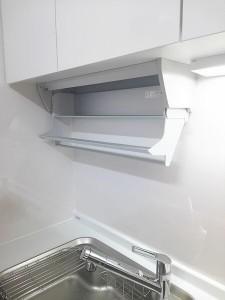 アイレベル収納を取り付けたキッチン ラクシーナ